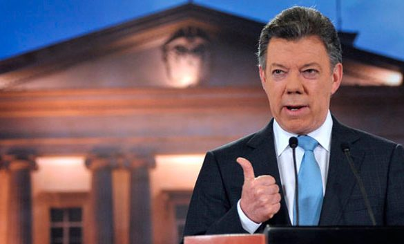 Juan Manuel Santos approval ratings