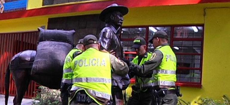 Robo de estatua de Juan Valdez
