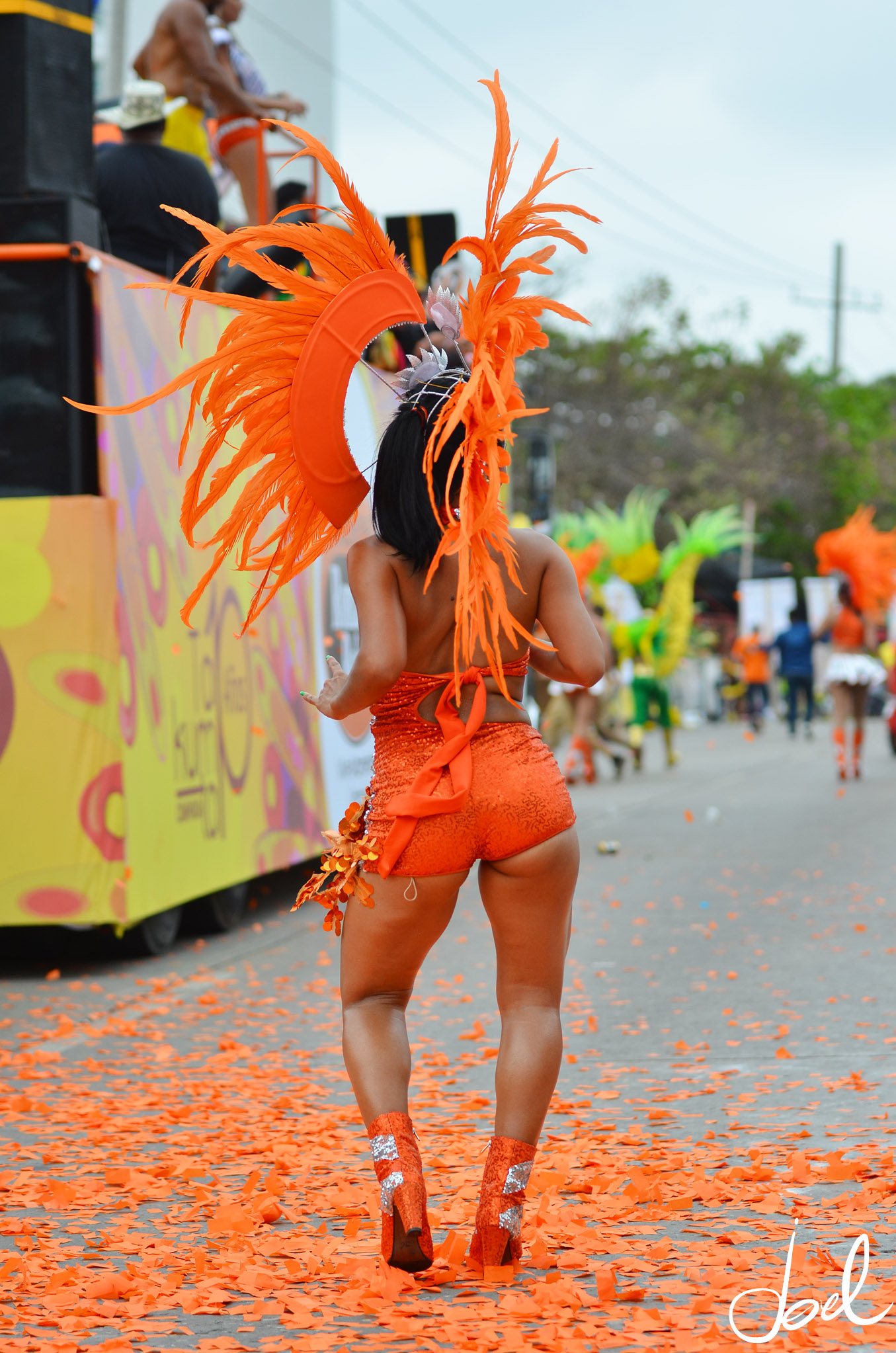 Reveler taking part in the Flower Parade (Photo: Joel Duncan)